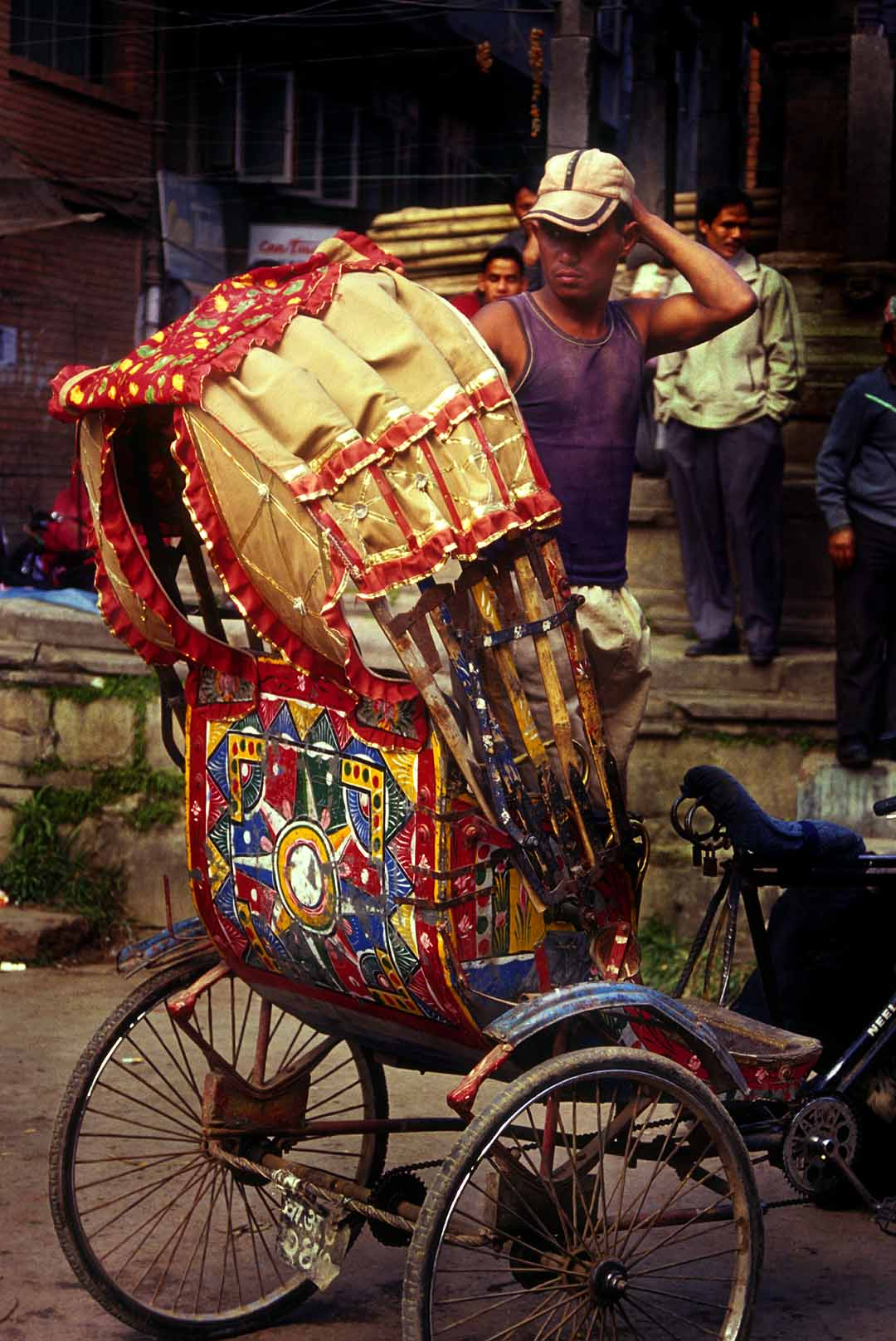 By Steve Evans from India and USA (Bangladesh Rickshaw) [CC-BY-2.0 (http://creativecommons.org/licenses/by/2.0)], via Wikimedia Commons